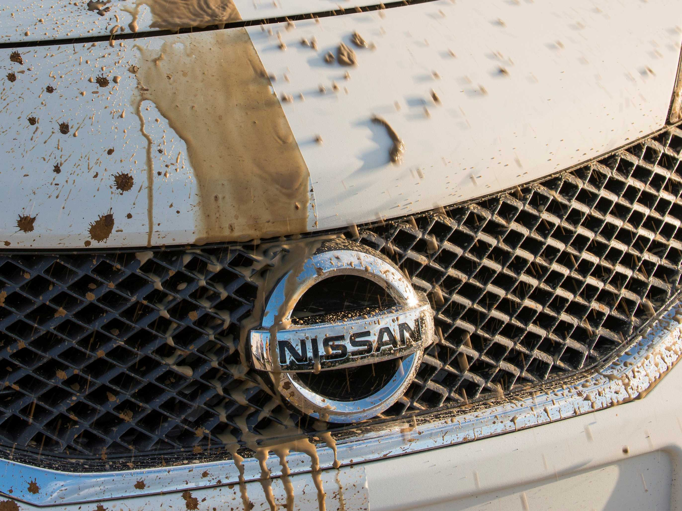 nissan-has-made-a-self-cleaning-car