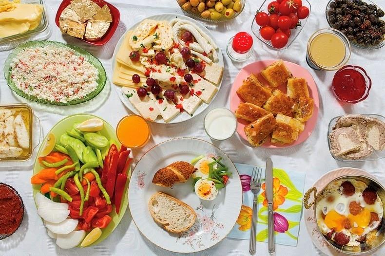 Le-Petit-Déjeuner-des-Enfants-Autour-du-Monde-02