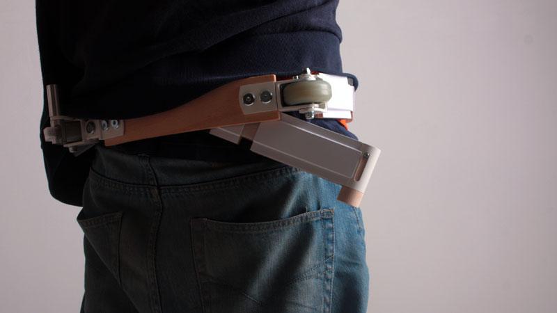 ceinture-qui-se-transforme-en-trottinette