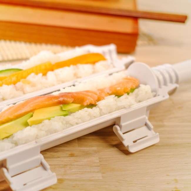 img-sushi-bazooka-2-650x650