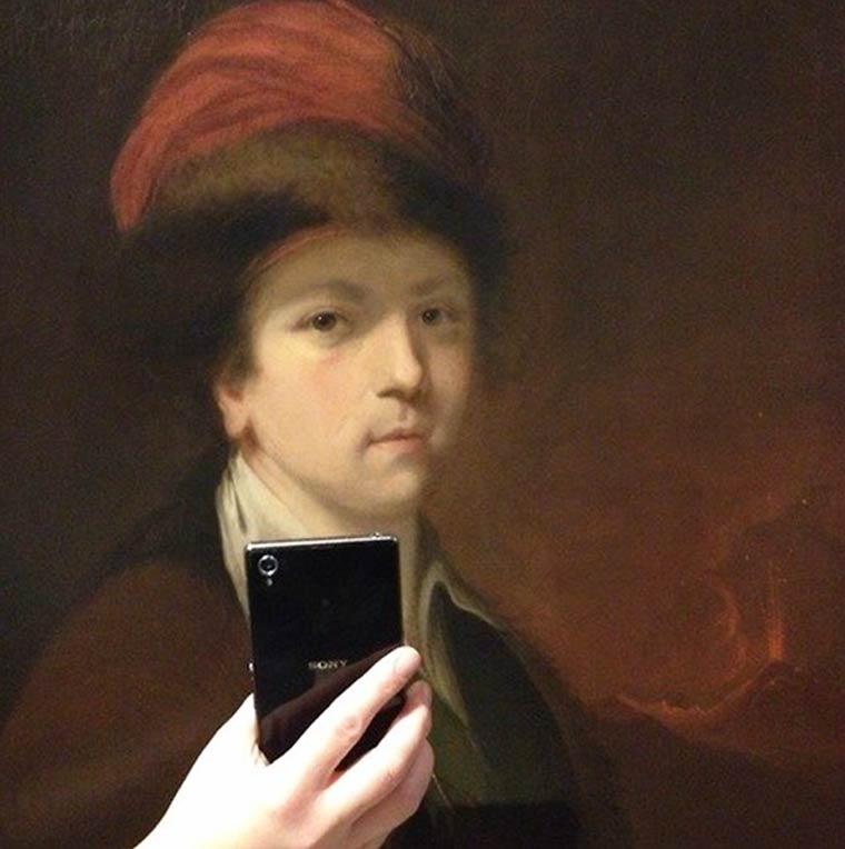 img-museum-of-selfie-8