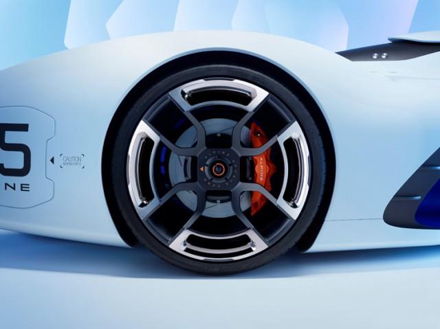 Alpine-Vision-Gran-Turismo_8-640x479