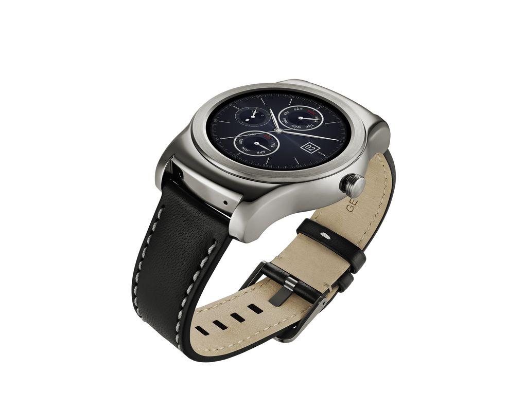 LG-Watch-Urbane-stand