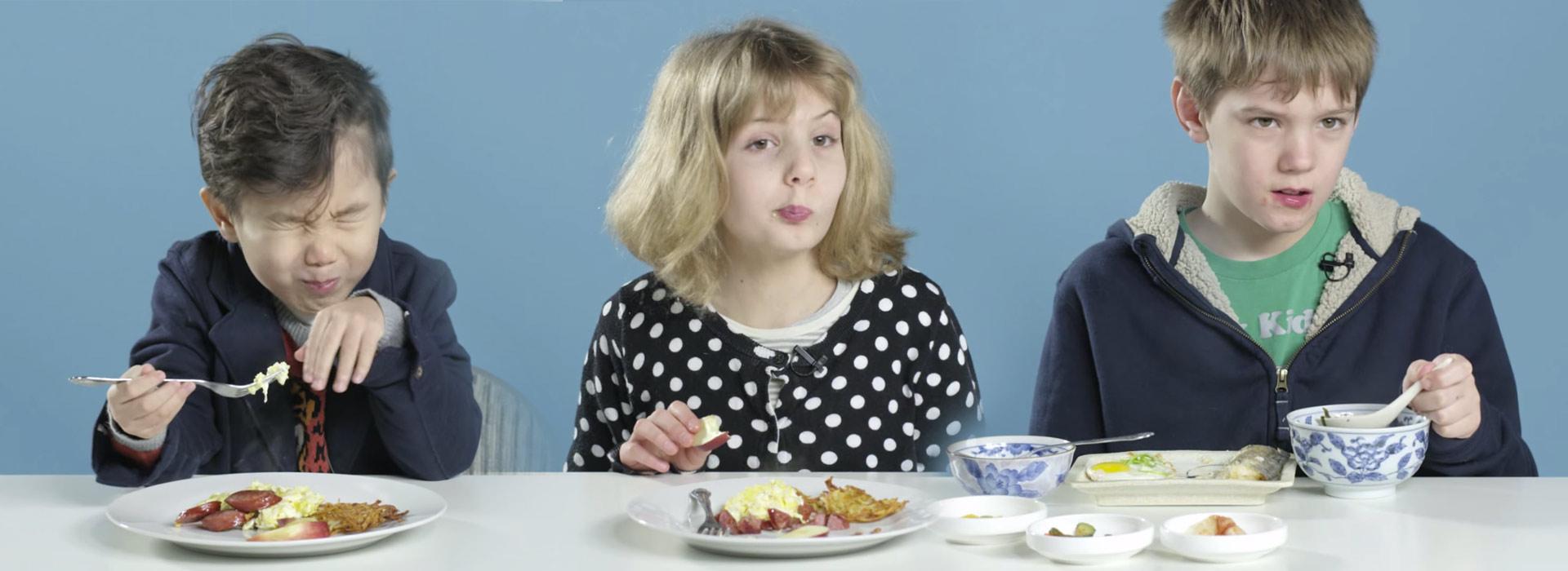 enfants_petit_dejeuner_home