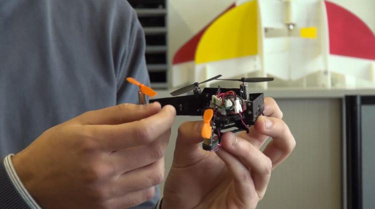 mini_drone_pliable_00