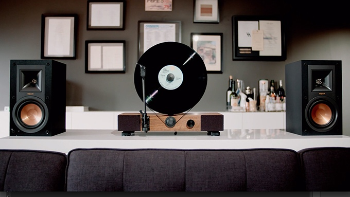 gramovox_floating_record_platine_vinyle_verticale_04