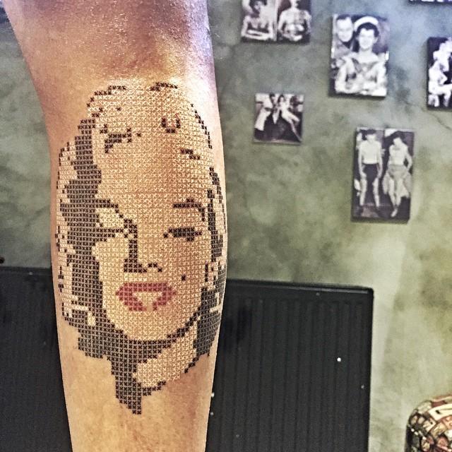 tatouages_point_de_croix_01