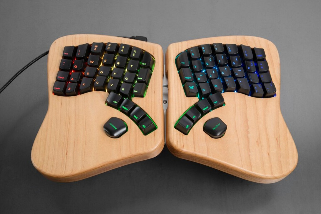 the-model-01-clavier-separe-01