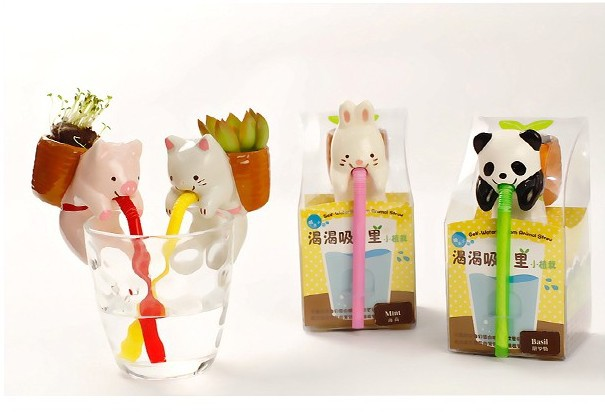 Creative-Self-Watering-Plant-Holder-Animal-Planters-self-watering-from-animal-straw-Pig-Cat-Panda-Rabbit