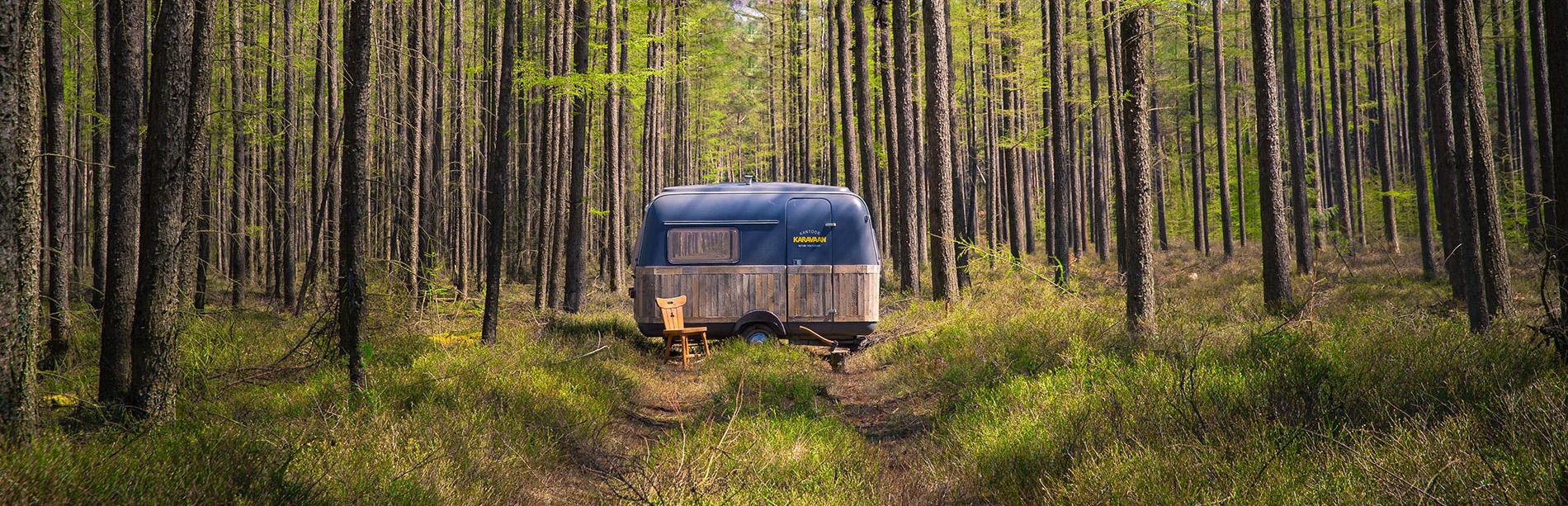 caravane_bureau_bois_internet_home