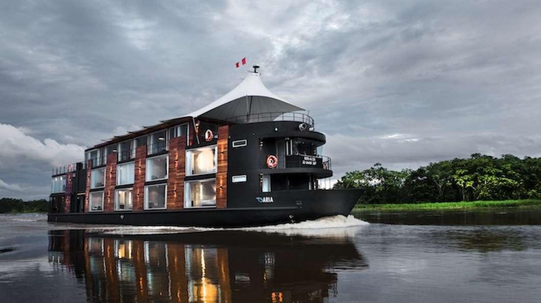bateau hotel