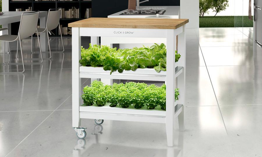 click-and-grow-robot-garden-01