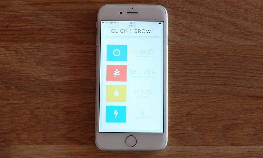 click-and-grow-robot-garden-03