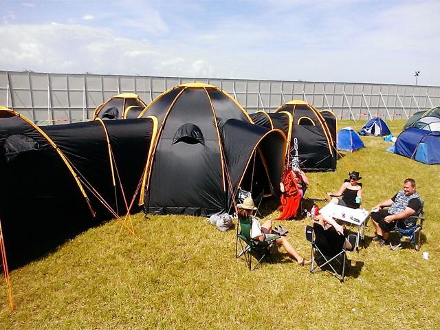 pod-tents-tentes-tunnels_01