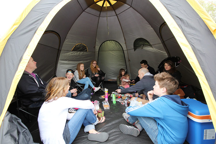 pod-tents-tentes-tunnels_04