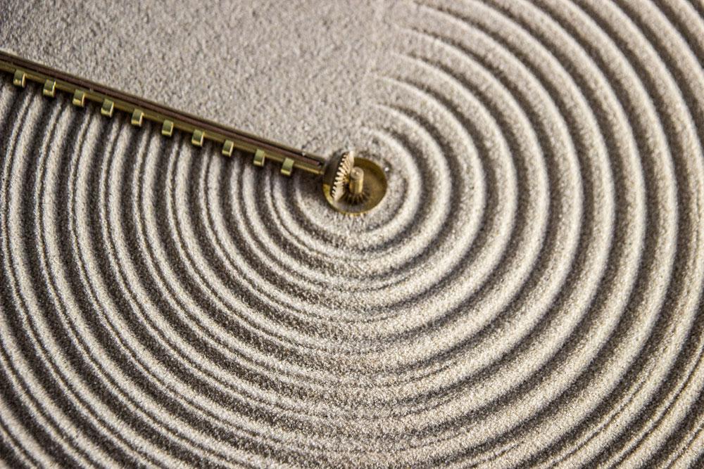 horloge sable design jardin zen 02