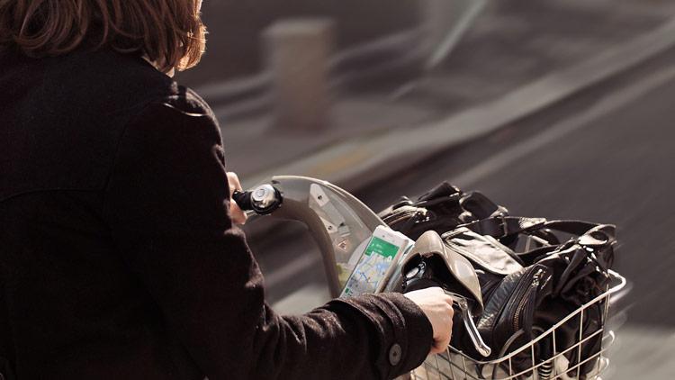 velgo-accroche-velo-velib-smartphone-cdc-03