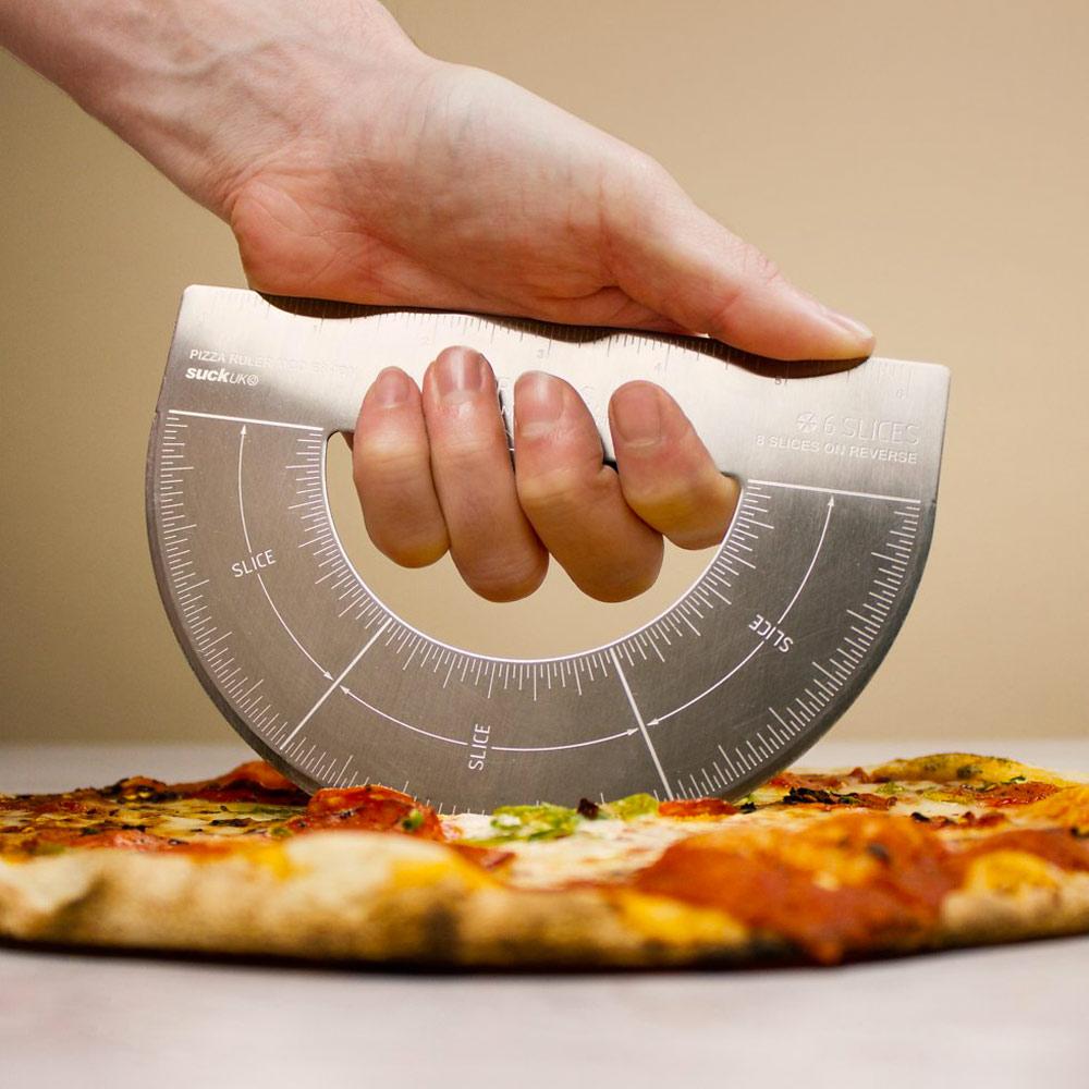 protractor-pizza-cutter-rapporteur-pizza-parts-égales-chasseursdecool-home