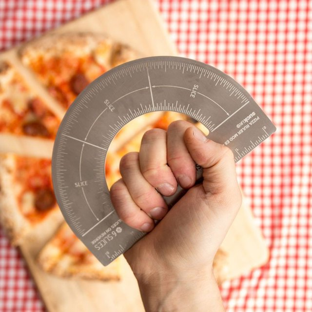 protractor_pizza_cutter_rapporteur_pizza_parts_égales_chasseursdecool_01