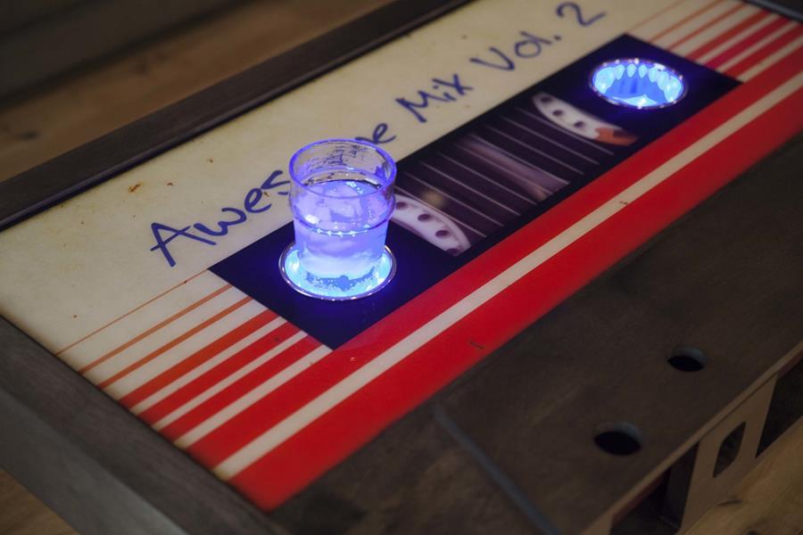 taybles table basse cassette audio ameublement chasseursdecool 03