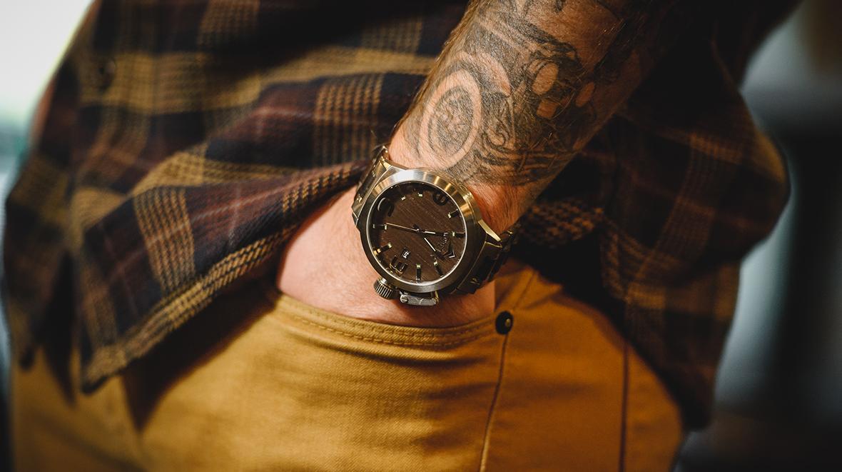 konifer karbon watch montre bois metal home
