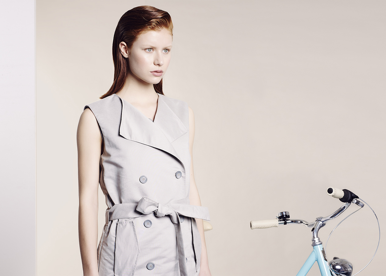 chance-of-rain-trench-coat-pluie-pour-velo-home