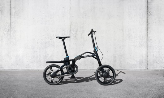 peugeot-velo-pliant-electrique-ef01-rechargeable-voiture-04