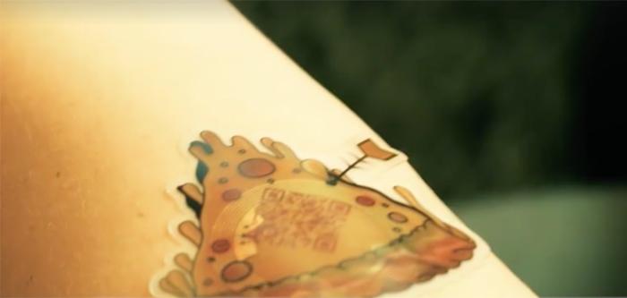 tatouage-commande-pizza-hut-1